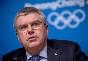 Глава МОК встретился с российскими спортсменами и объяснился