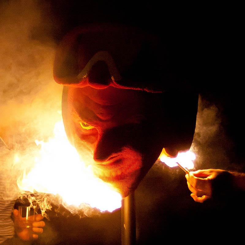 6147 Гори оно огнем   как горит дьявол из спичек