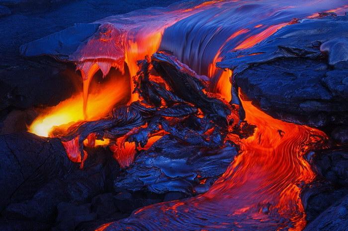 Красота вулканов в фотографиях Tom Kualii