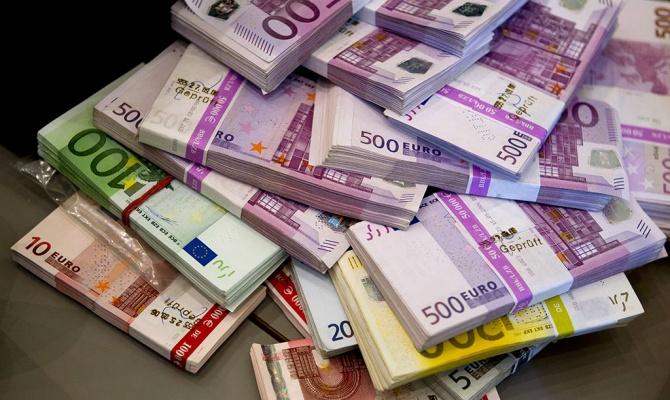Евро в ходе торгов во вторник поднимался выше 48 рублей