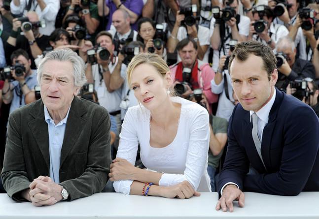 Robert de Niro, Uma Thurman, Jude Law - 2011 (647x445, 98Kb)