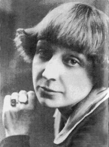 Несколько цитат Марины Цветаевой о любви и жизни, которые раскрывают всю глубину и мудрость её трагической судьбы