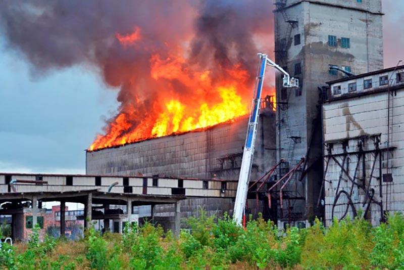Пожар наэлеваторе вСамарск…