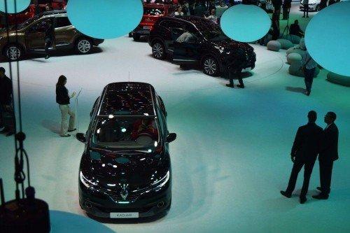 Возможность купить новый автомобиль есть только у 13% российских семей