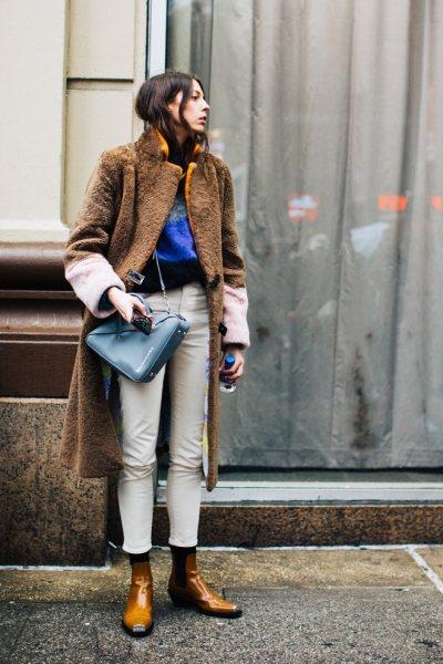 Есть 4 пары брюк, которые можно носить в слякоть (и они в тренде!)