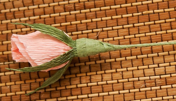 букет роз из гофрированной бумаги 5