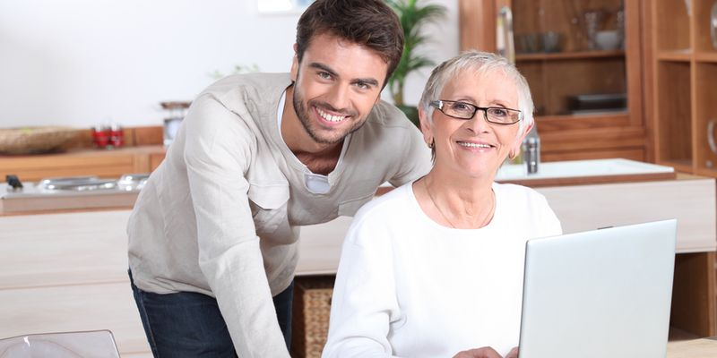 Почему мужчины любят женщин постарше? Только суровая правда, без розовых соплей