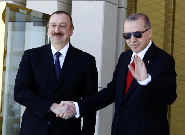 Алиев поздравил Эрдогана спобедой напрезидентских выборах