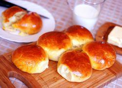 Тесто для булочек с сухими дрожжами.