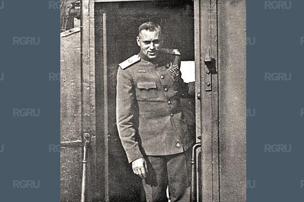 Маршал Рокоссовский написал жене и дочери свыше ста писем
