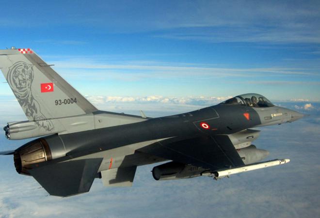 Минобороны: Турецкий истребитель при атаке на Су-24 залетел в Сирию и теперь все цели,представляющие для нас потенциальную опасность будут уничтожаться