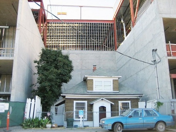 Этой старушке предлагали 1 млн $ за ее дом.Но в этом мире еще существуют вещи, которые не продаются...