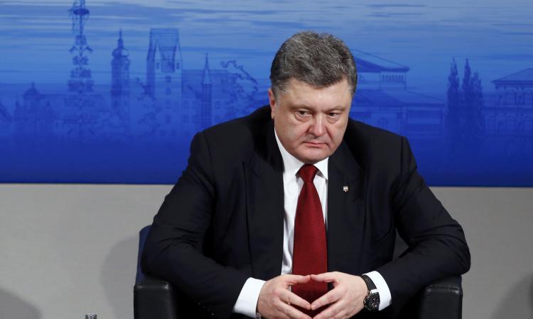 Раскрыт план: Порошенко срочно возобновляет войну на Донбассе из-за новой цели