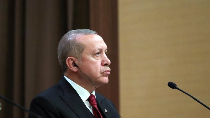 Эрдоган попросил Путина прин…
