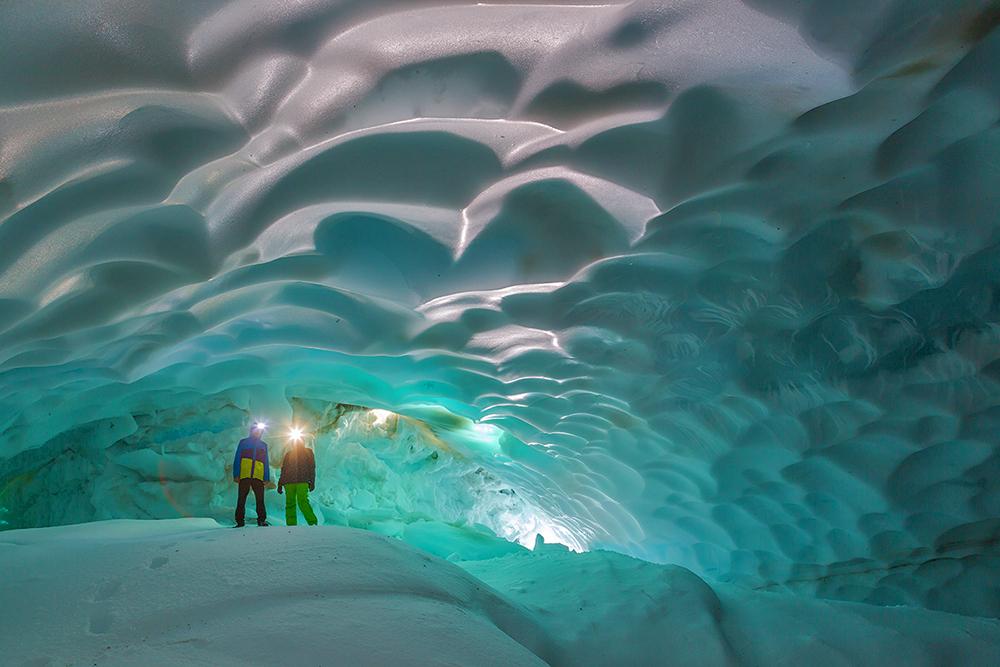 Первозданная Камчатка. Снежные пещеры.