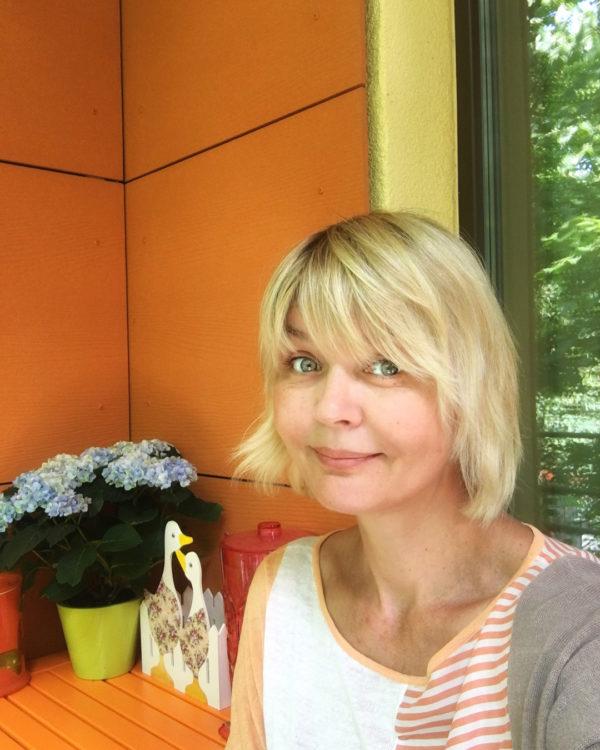 Юлия Меньшова показала провальные последствия пластических операций на лице