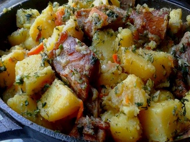 Тушеная картошка с ребрышками в духовке рецепт с пошагово 145