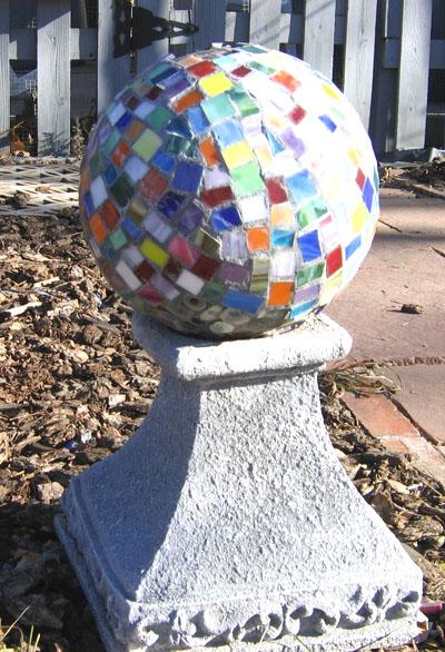 Декоративные шары из цемента для сада. Идеи и мастер-класс (20) (400x586, 134Kb)