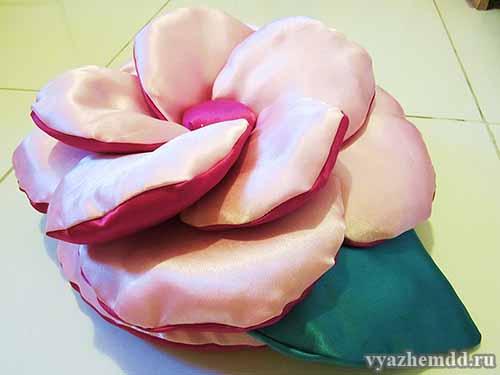 """Подушка """"Роза"""""""