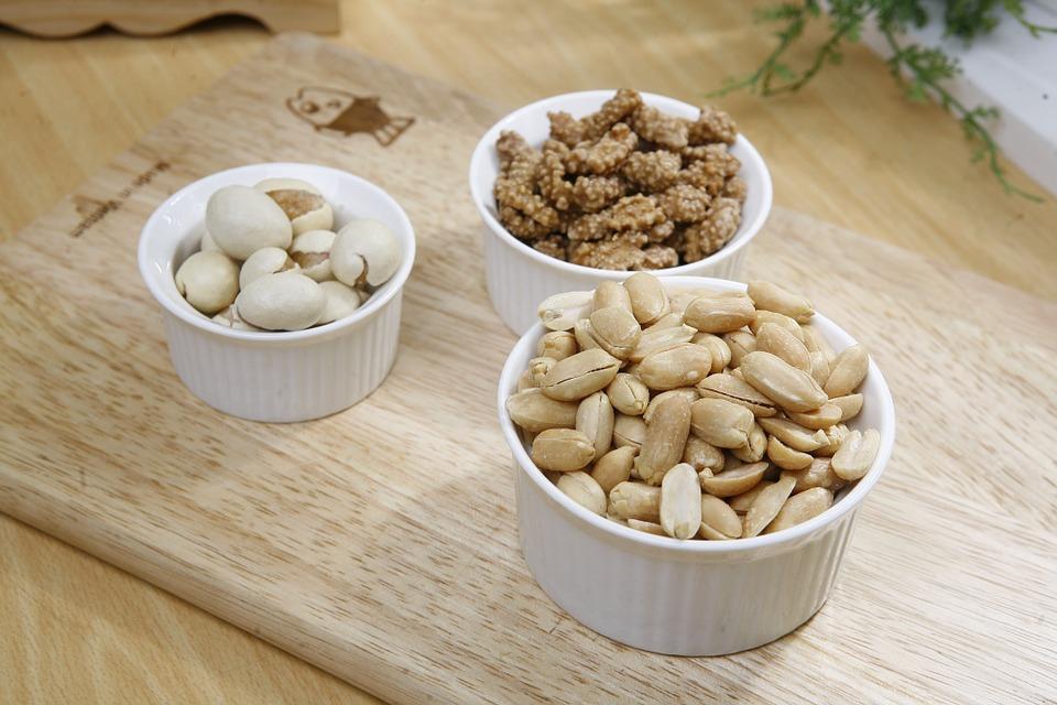 Названа главная польза орехо…