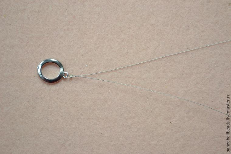 Плетём симпатичный браслет из бусин