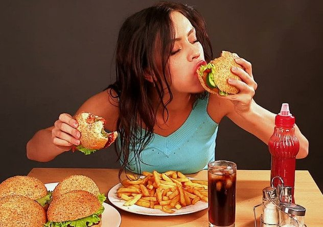 Как побороть желание есть вредную пищу?
