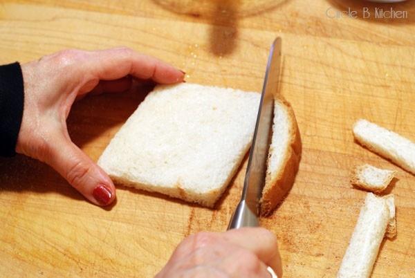 Потрясающий двухминутный десерт... из хлеба!