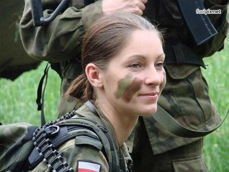 Девушки на службе в армии фото 30