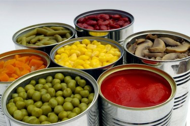 Какие консервы безопасны для здоровья, а какие не стоит покупать?