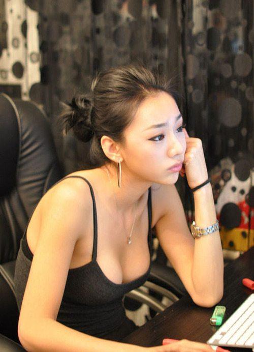 Горячие азиатские девушки