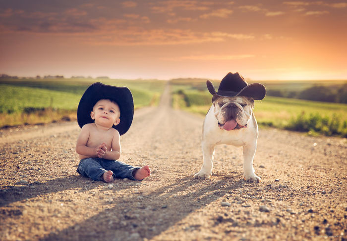 Близнецы дружба, ребенок, собака