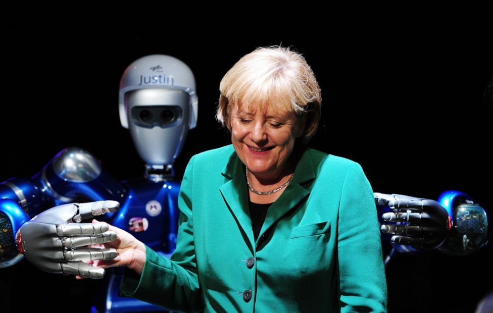 850 Стирая границу между роботом и человеком