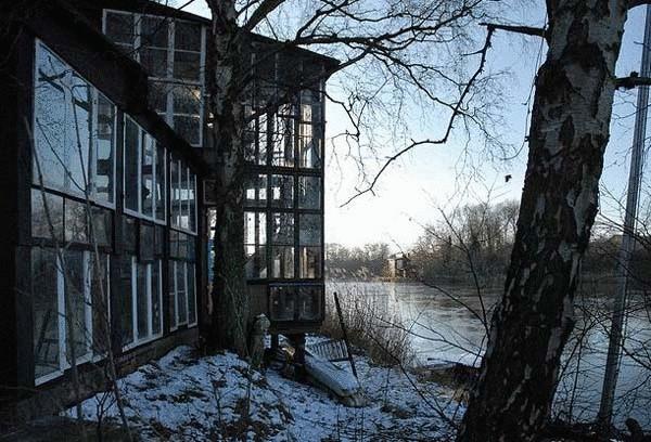 Стеклянный дом из окон (Дания)