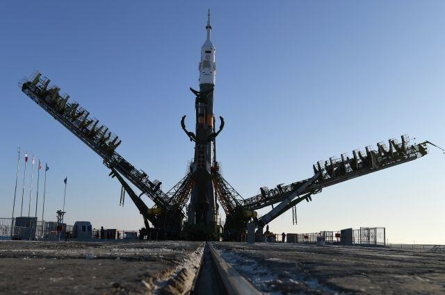 Комиссия на Байконуре утвердила состав экипажа, который полетит к МКС