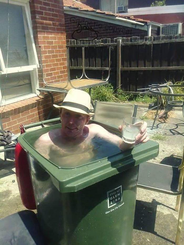 4. Мусорный бак пригодился бассейн, своими руками
