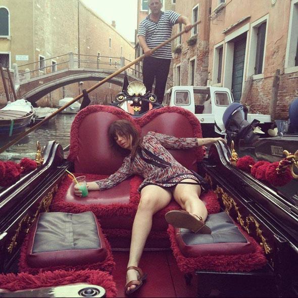 Отвези меня в Венецию! Это так романтично.