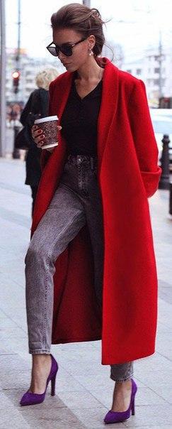 Яркие красные пальто и образы с ними