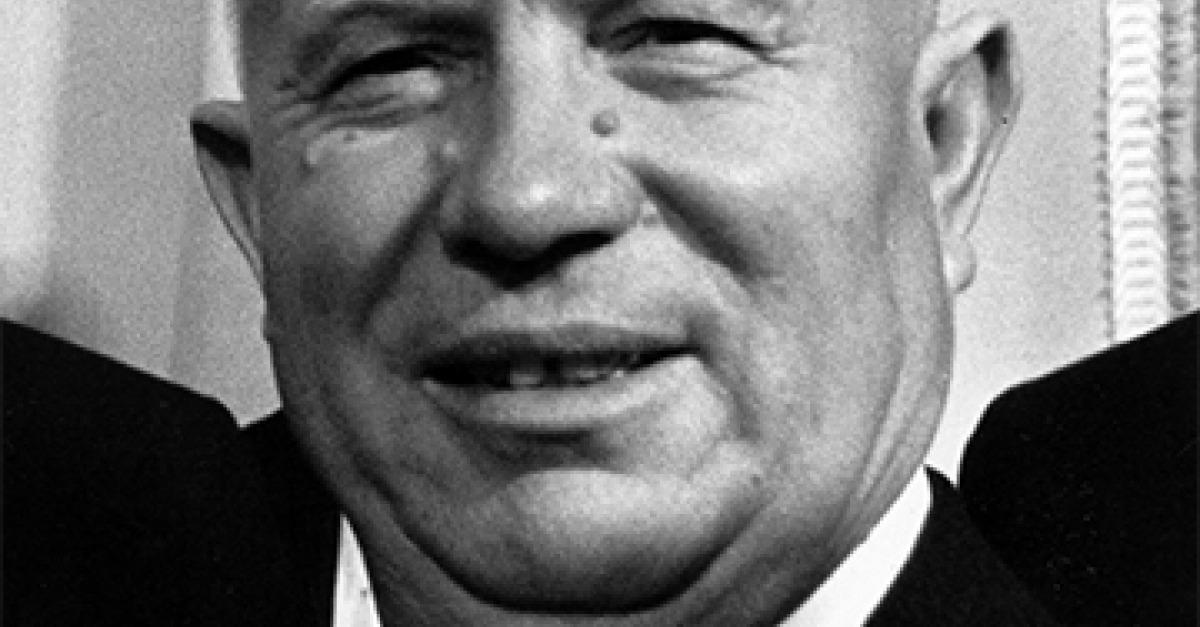 Что дал стране Хрущев: свободу, космос и «хрущевки» или голод, кукурузу и расстрелы?