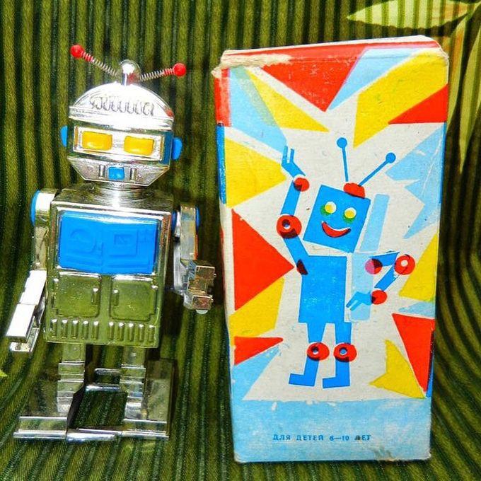 4. Робот-игрушка вещи, ссср