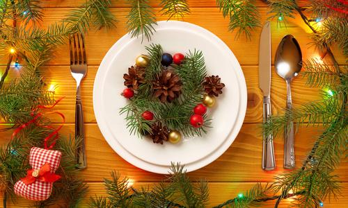 ukrashenie-novogodnego-stola-2016