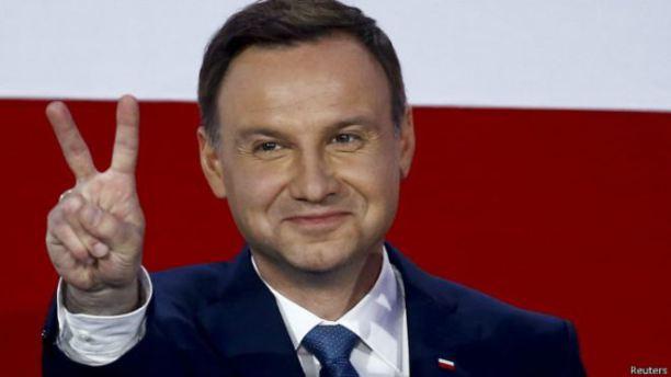 Президент Польши: «Украина должна добровольно вернуть польские земли»