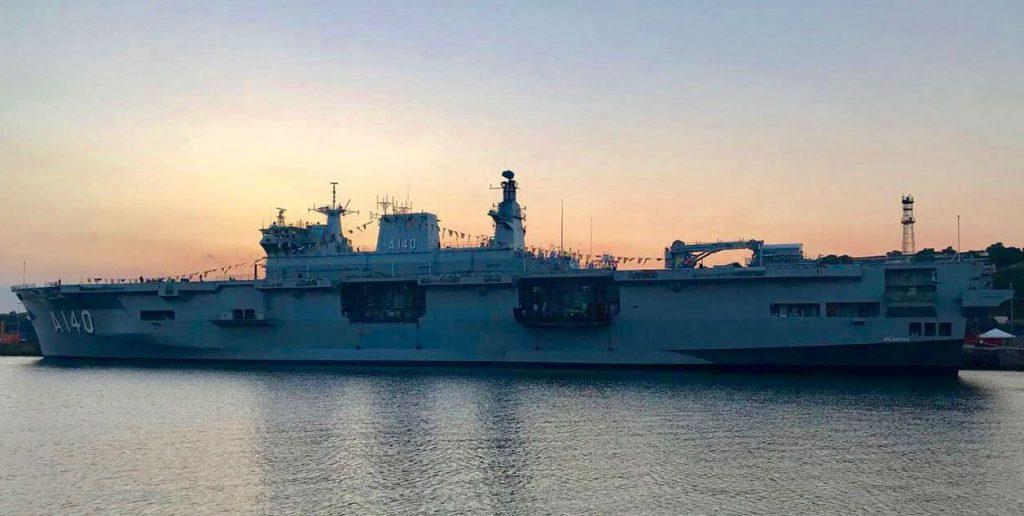Бразилия получила бывший британский десантный вертолетоносец Ocean