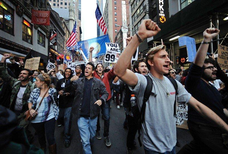 Треть граждан США готовы бежать из страны