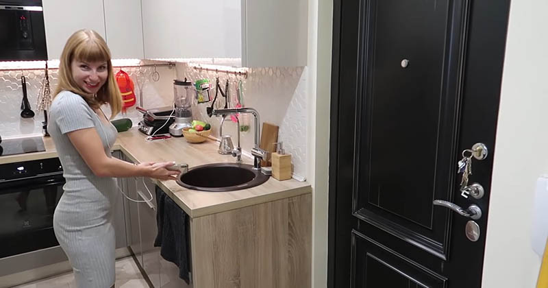 Кухня в коридоре! Необычная и креативная перепланировка однушки-хрущёвки