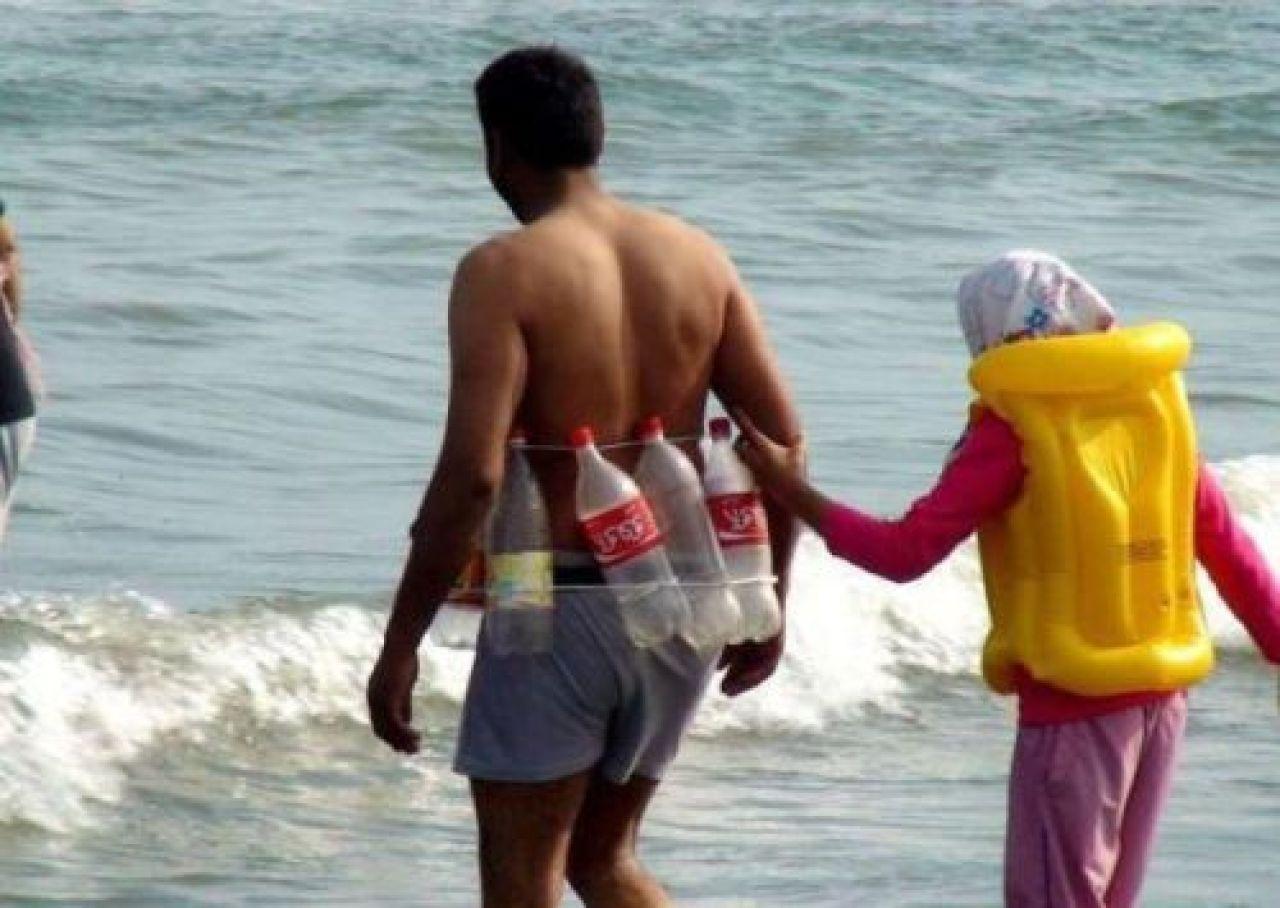 Фото прикол на пляже 16 фотография