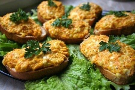 Живите вкусно! Горячие бутерброды с морковью, сыром и чесноком