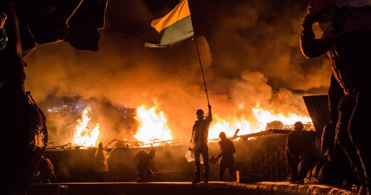 А тем временем хаос на Украине приобретал феерический размах…