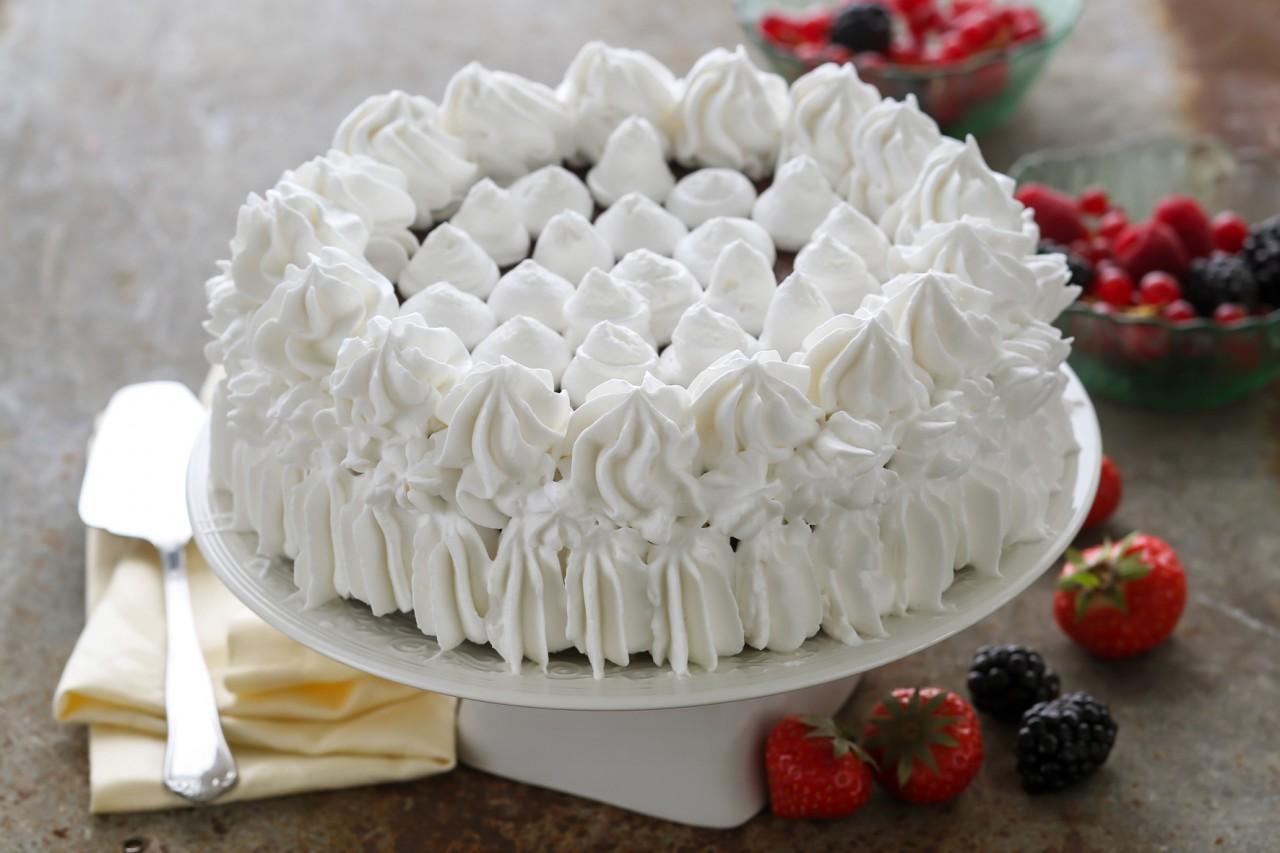 Как взбить сливки для украшение торта