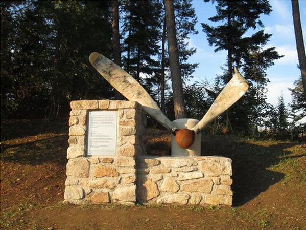 Семья из Австрии установила памятник советским солдатам