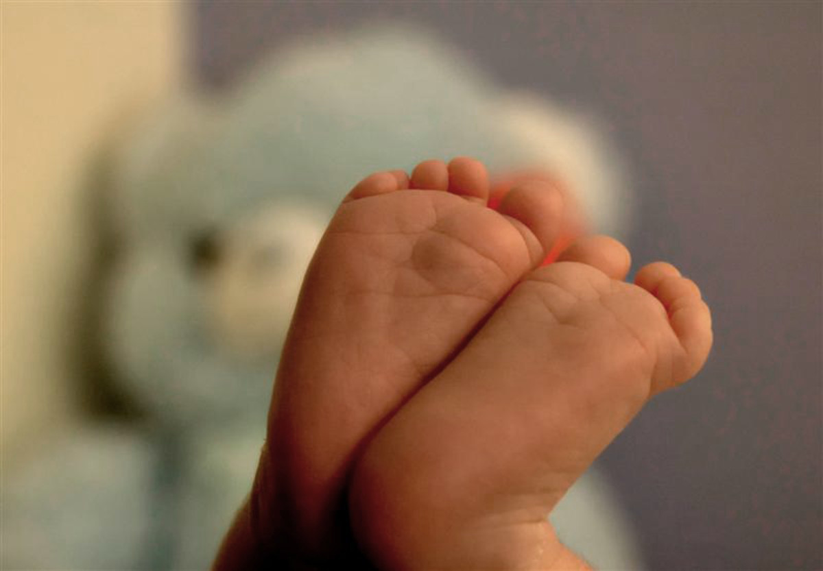 The #Brelfie and #NormalizeBreastfeeding Movements are Doing Everything but Normalizing Breastfeeding